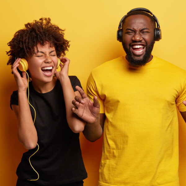 Music to learn Spanish: 6 songs to add to your playlist